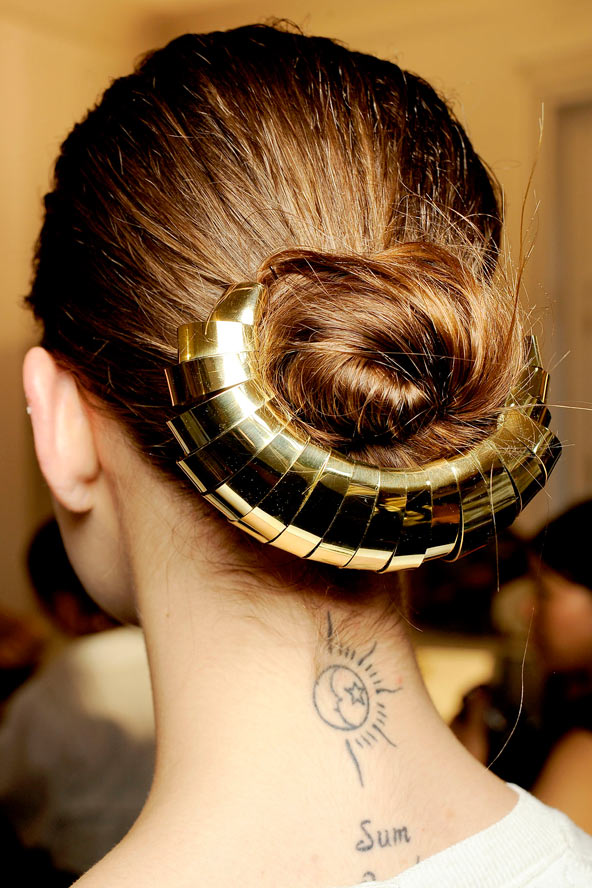 Prom Hair Accessories: Spruce It Up With Gold